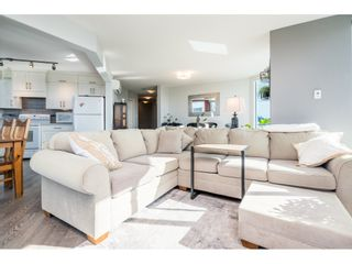"""Photo 8: 1105 33065 MILL LAKE Road in Abbotsford: Central Abbotsford Condo for sale in """"Summit Point"""" : MLS®# R2505069"""