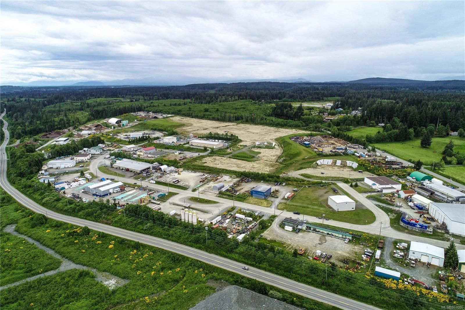 Photo 10: Photos: 4300 Midport Rd in : CR Campbell River North Business for sale (Campbell River)  : MLS®# 863086