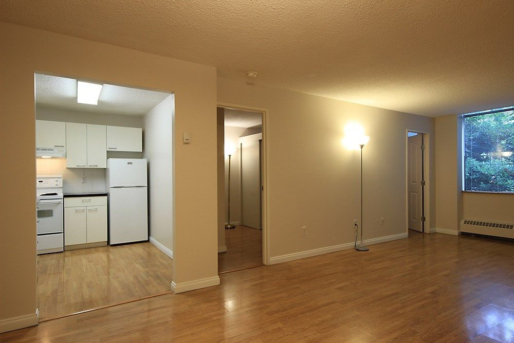 """Main Photo: 105 6631 MINORU Boulevard in Richmond: Brighouse Condo for sale in """"REGENCY PARK TOWERS"""" : MLS®# R2214658"""