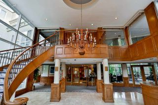 """Photo 4: 215 3098 GUILDFORD Way in Coquitlam: North Coquitlam Condo for sale in """"Marlborough House"""" : MLS®# R2555824"""