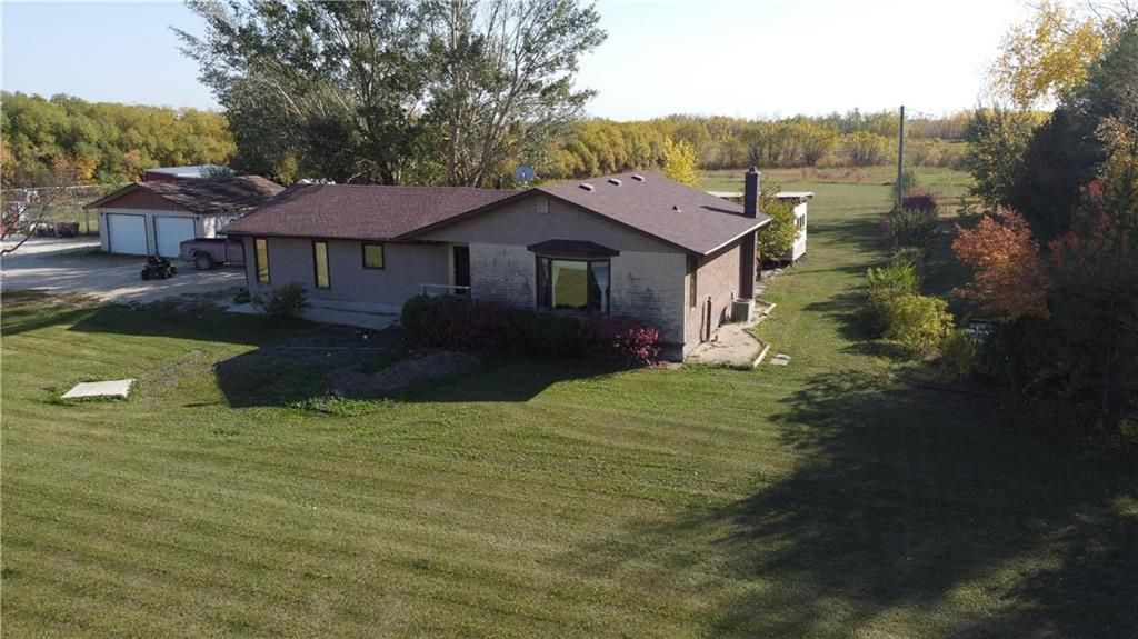 Main Photo: 24068 Dumaine Road in Ile Des Chenes: R05 Residential for sale : MLS®# 202124682