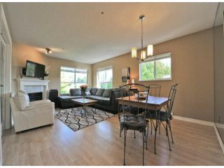 """Photo 4: 312 15272 20TH Avenue in Surrey: King George Corridor Condo for sale in """"Windsor Court"""" (South Surrey White Rock)  : MLS®# F1424168"""