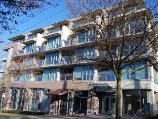 """Photo 1: 213 2520 MANITOBA Street in Vancouver: Mount Pleasant VW Condo for sale in """"VUE"""" (Vancouver West)  : MLS®# V929976"""