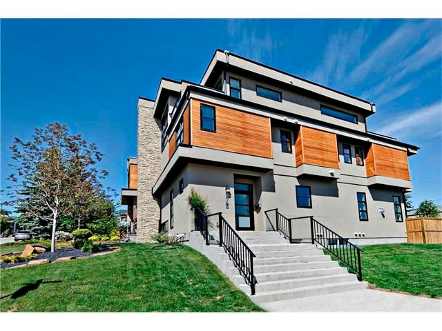 Main Photo: 2725 18 Street SW in Calgary: South Calgary House for sale : MLS®# C4025349