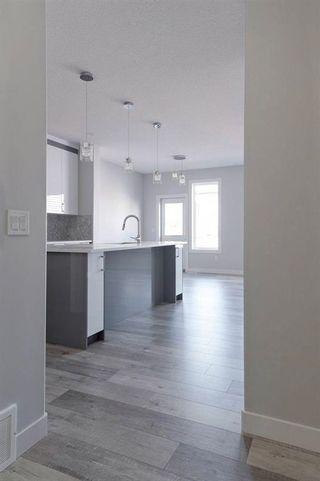Photo 6: 226 39A Avenue in Edmonton: Zone 30 House Half Duplex for sale : MLS®# E4266268