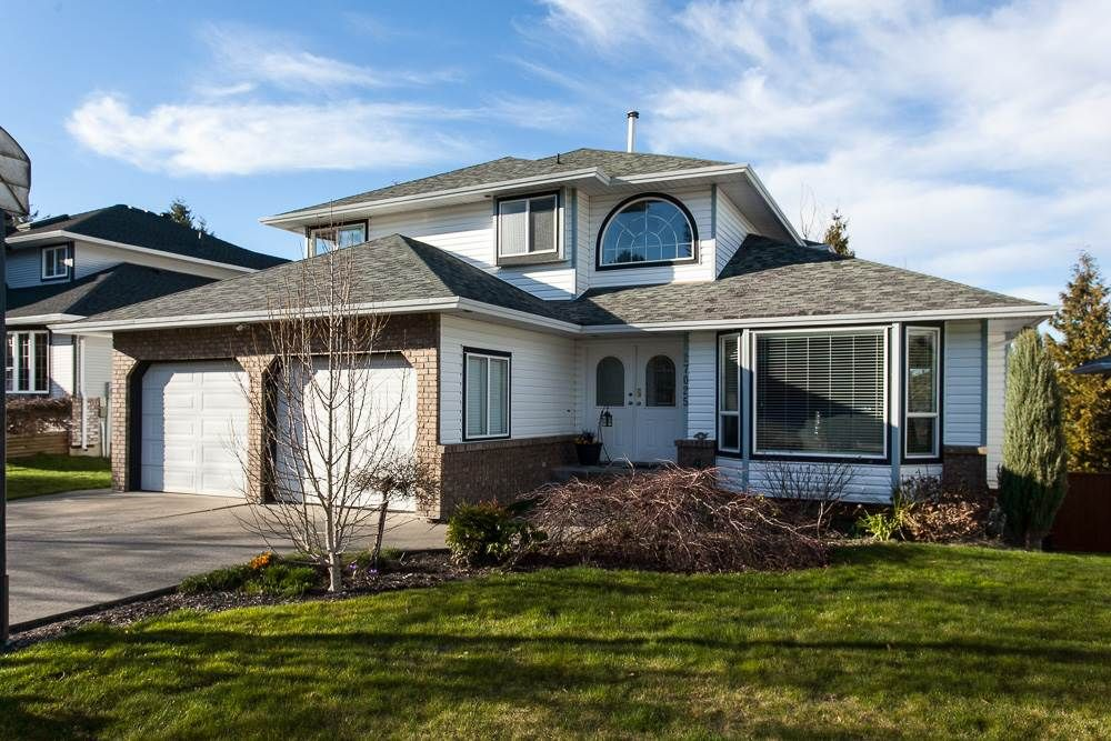 Main Photo: 27025 26A Avenue in Langley: Aldergrove Langley House for sale : MLS®# R2247523