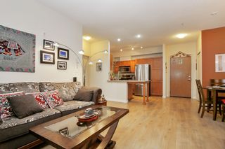 Photo 3: 305 33318 E BOURQUIN CRESCENT in Abbotsford: Central Abbotsford Condo for sale : MLS®# R2515810