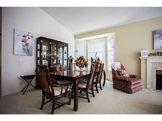 """Photo 4: 71 9012 WALNUT GROVE Drive in Langley: Walnut Grove Townhouse for sale in """"QUEEN ANNE GREEN"""" : MLS®# F1447003"""