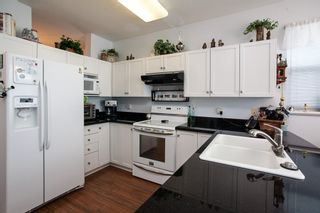 """Photo 8: 8688 207 Street in Langley: Walnut Grove House for sale in """"Discovery Towne"""" : MLS®# R2077292"""