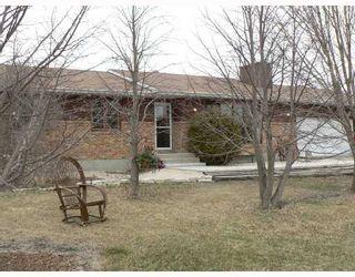 Photo 1: 29077 PARK Road in BIRDSHILL: Anola / Dugald / Hazelridge / Oakbank / Vivian Residential for sale (Winnipeg area)  : MLS®# 2803513