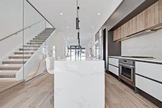 Photo 6: 504 14 Avenue NE in Calgary: Renfrew Detached for sale : MLS®# A1090072