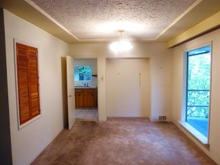 Photo 4: 4660 NEVILLE Street in Burnaby: South Slope House for sale (Burnaby South)  : MLS®# R2386271