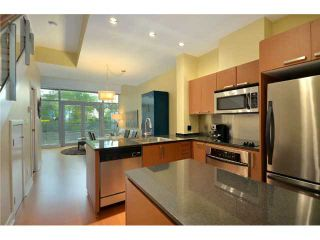 "Photo 3: 1241 SEYMOUR Street in Vancouver: Downtown VW Townhouse for sale in ""ELAN"" (Vancouver West)  : MLS®# V909862"