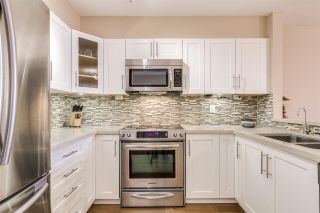 Photo 2: 1107 10 LAGUNA COURT in New Westminster: Quay Condo for sale : MLS®# R2416230