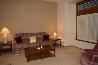 Photo 8: 26 North Plympton Village in Dugald: Single Family Detached for sale : MLS®# 1601626