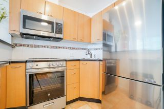 "Photo 6: 1003 1331 ALBERNI Street in Vancouver: West End VW Condo for sale in ""THE LIONS"" (Vancouver West)  : MLS®# R2497732"