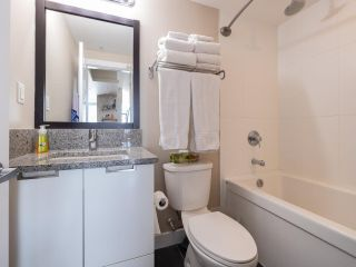 """Photo 15: 2301 2968 GLEN Drive in Coquitlam: North Coquitlam Condo for sale in """"Grand central II"""" : MLS®# R2552070"""
