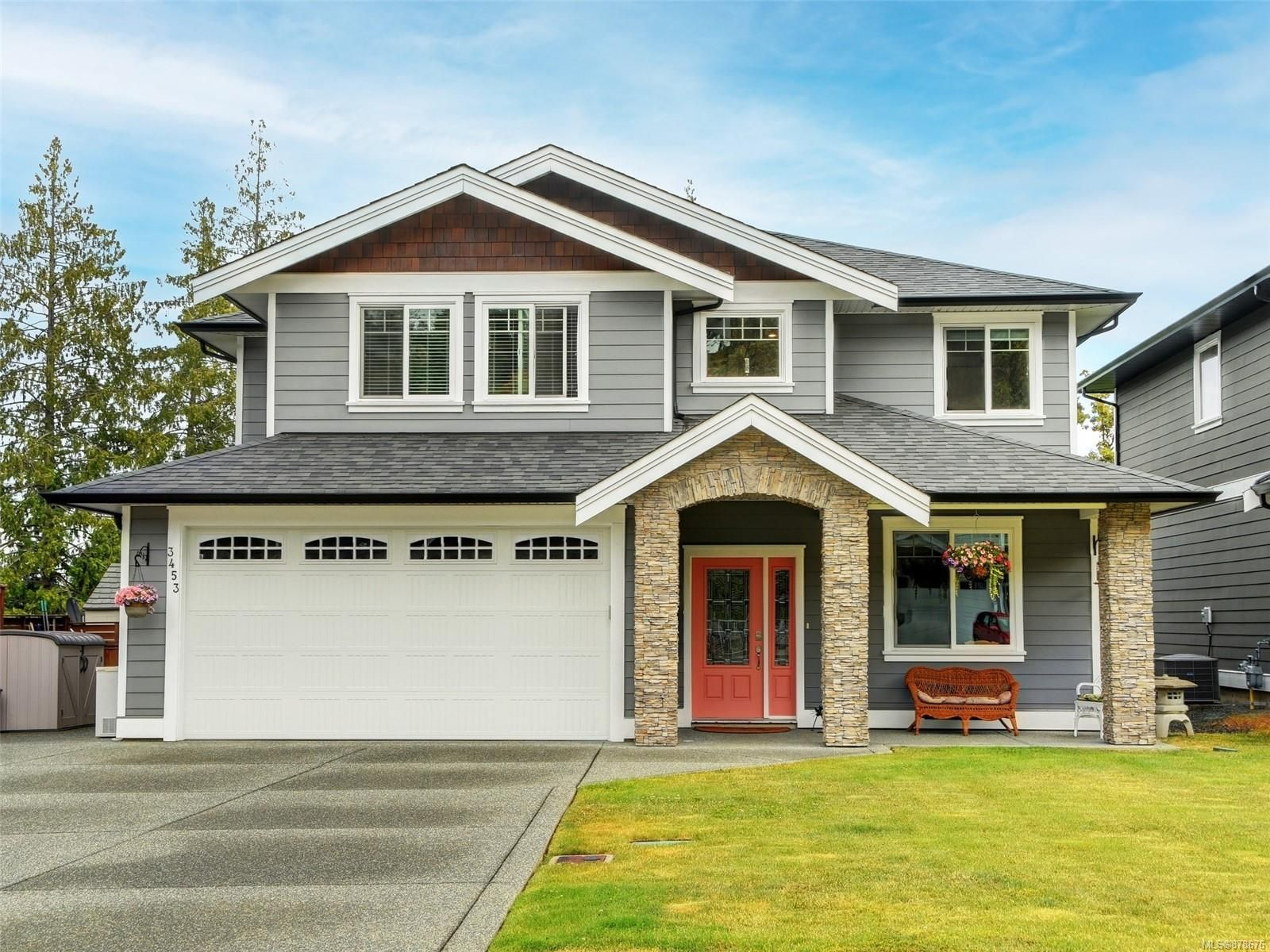 Main Photo: 3453 Hopwood Pl in Colwood: Co Latoria House for sale : MLS®# 878676