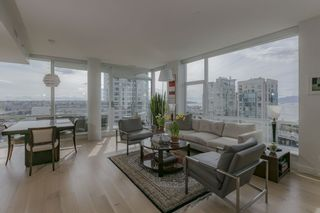 Photo 1: 1704 1455 HOWE STREET in Vancouver: Yaletown Condo for sale (Vancouver West)  : MLS®# R2263056