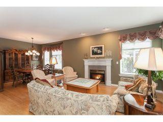 "Photo 3: 73 5811 122 Street in Surrey: Panorama Ridge Townhouse for sale in ""Lakebridge"" : MLS®# R2045411"