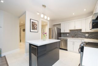"""Photo 4: 113 1770 W 12TH Avenue in Vancouver: Fairview VW Condo for sale in """"Granville West"""" (Vancouver West)  : MLS®# R2245067"""