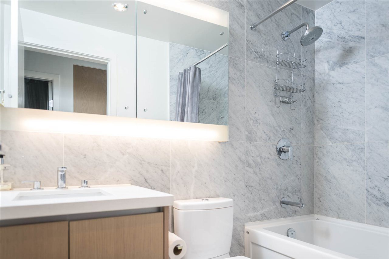 """Photo 13: Photos: 2106 6588 NELSON Avenue in Burnaby: Metrotown Condo for sale in """"The MET"""" (Burnaby South)  : MLS®# R2263344"""