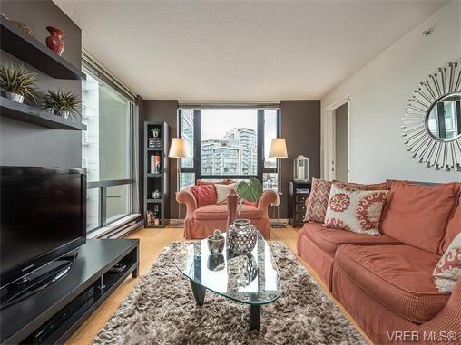 Main Photo: 710 751 Fairfield Rd in VICTORIA: Vi Downtown Condo for sale (Victoria)  : MLS®# 744857