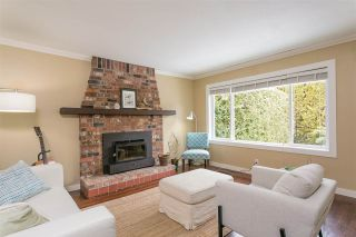 Photo 2: 1593 WESTOVER Road in North Vancouver: Lynn Valley House for sale : MLS®# R2348588