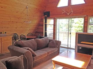 """Photo 6: 7571 CLEARVIEW Road: Deka Lake / Sulphurous / Hathaway Lakes House for sale in """"Deka Lake"""" (100 Mile House (Zone 10))  : MLS®# R2608820"""