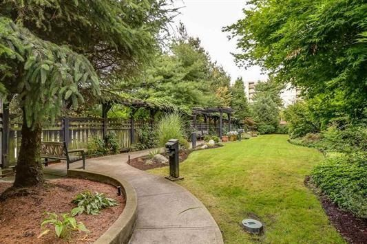 """Photo 20: Photos: 401 808 SANGSTER Place in New Westminster: The Heights NW Condo for sale in """"THE BROCTON"""" : MLS®# R2215829"""