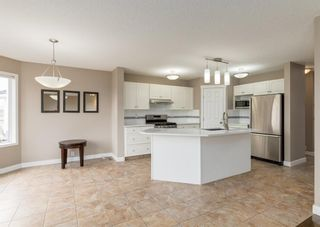 Photo 3: 151 Douglas Woods Hill SE in Calgary: Douglasdale/Glen Detached for sale : MLS®# A1092214
