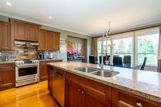 """Photo 12: 6918 208B Street in Langley: Willoughby Heights House for sale in """"Milner Heights"""" : MLS®# R2503739"""