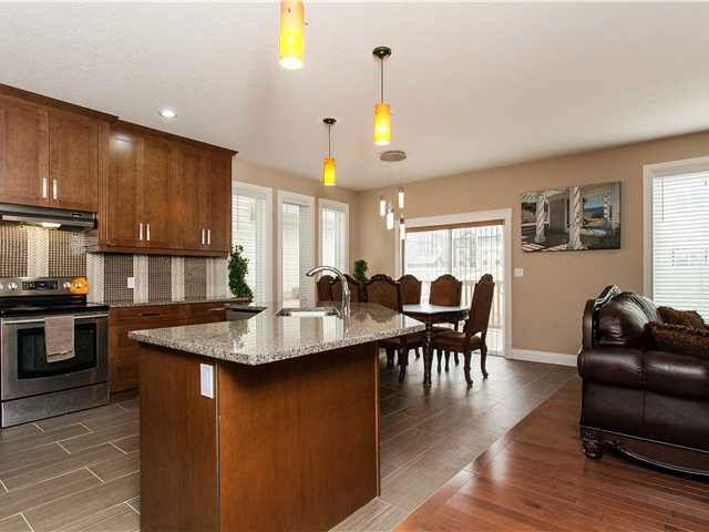 Main Photo: 5119 2 AV SW: Edmonton House for sale : MLS®# E3407228