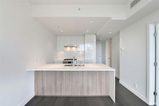 """Photo 8: 606 6383 CAMBIE Street in Vancouver: Oakridge VW Condo for sale in """"Forty Nine West"""" (Vancouver West)  : MLS®# R2506344"""