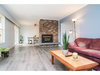 "Photo 4: 33232 PLAXTON Crescent in Abbotsford: Central Abbotsford House for sale in ""Mill Lake area"" : MLS®# R2156043"