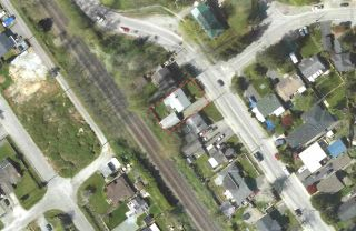 "Photo 2: 11387 MAPLE Crescent in Maple Ridge: Southwest Maple Ridge House for sale in ""Upper Hammond"" : MLS®# R2561764"