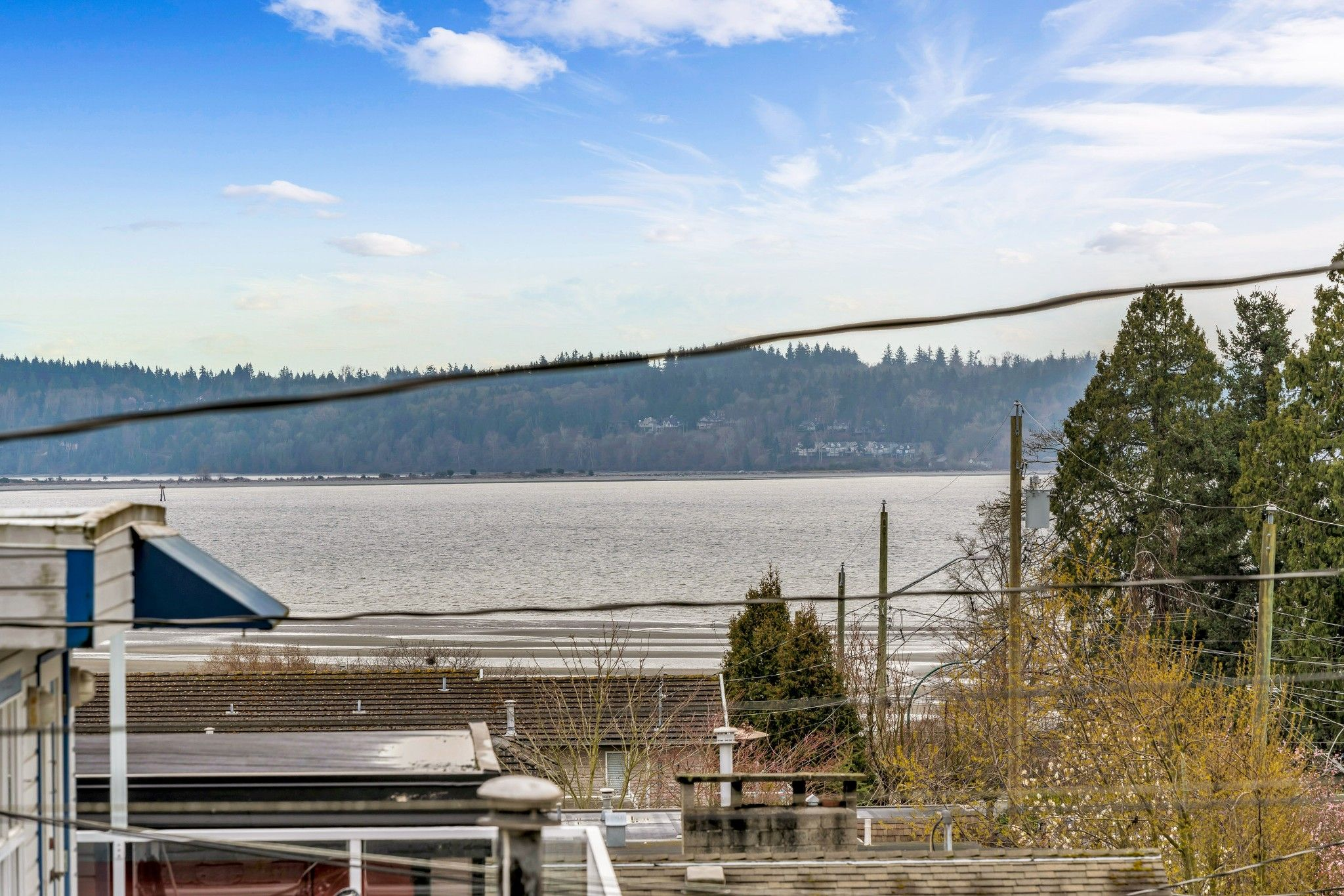 "Main Photo: 942 PARKER Street: White Rock House for sale in ""EAST BEACH"" (South Surrey White Rock)  : MLS®# R2447986"