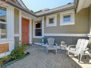 Photo 2: 17 10520 McDonald Park Rd in : NS McDonald Park Row/Townhouse for sale (North Saanich)  : MLS®# 871986