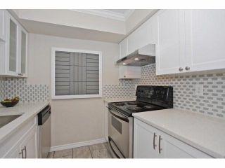 Photo 3: 14808 HOLLY PARK LN in Surrey: Guildford Condo for sale (North Surrey)  : MLS®# F1418544