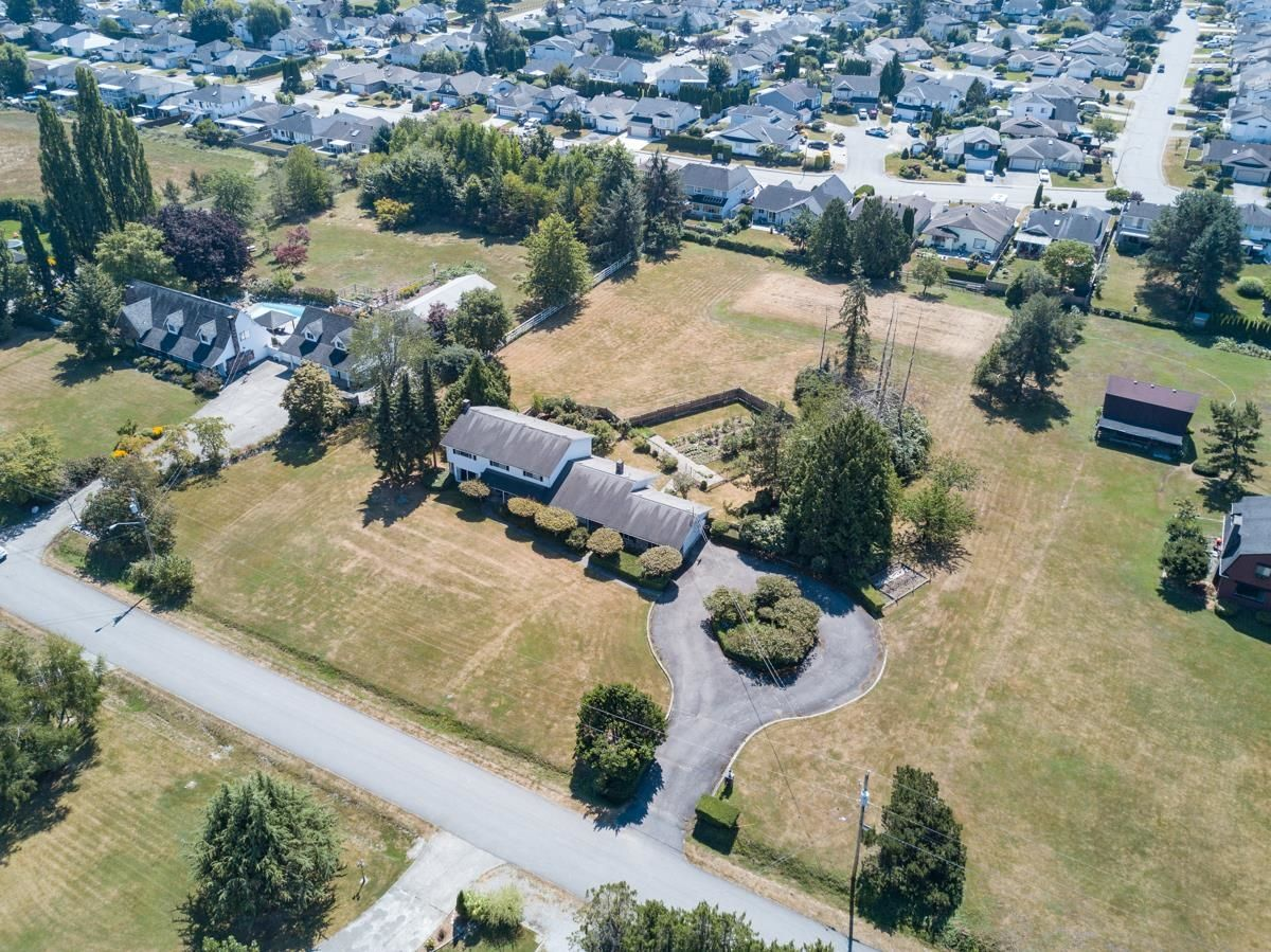 Main Photo: 21942 127 Avenue in Maple Ridge: West Central House for sale : MLS®# R2613779