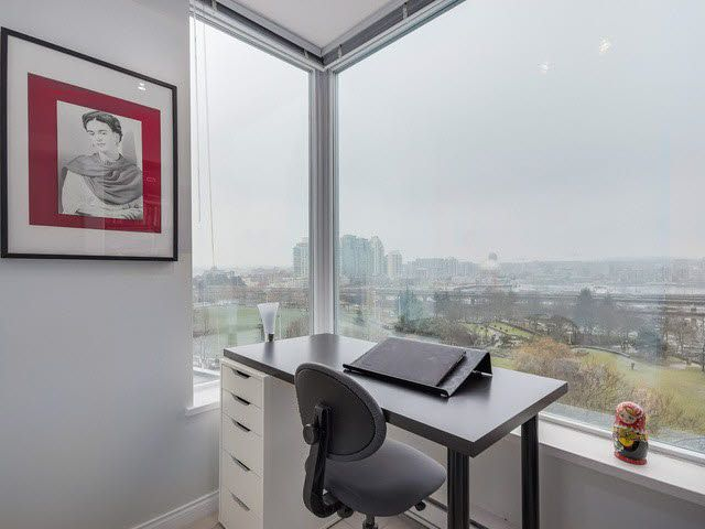 """Photo 5: Photos: 1010 550 TAYLOR Street in Vancouver: Downtown VW Condo for sale in """"TAYLOR"""" (Vancouver West)  : MLS®# V1097572"""