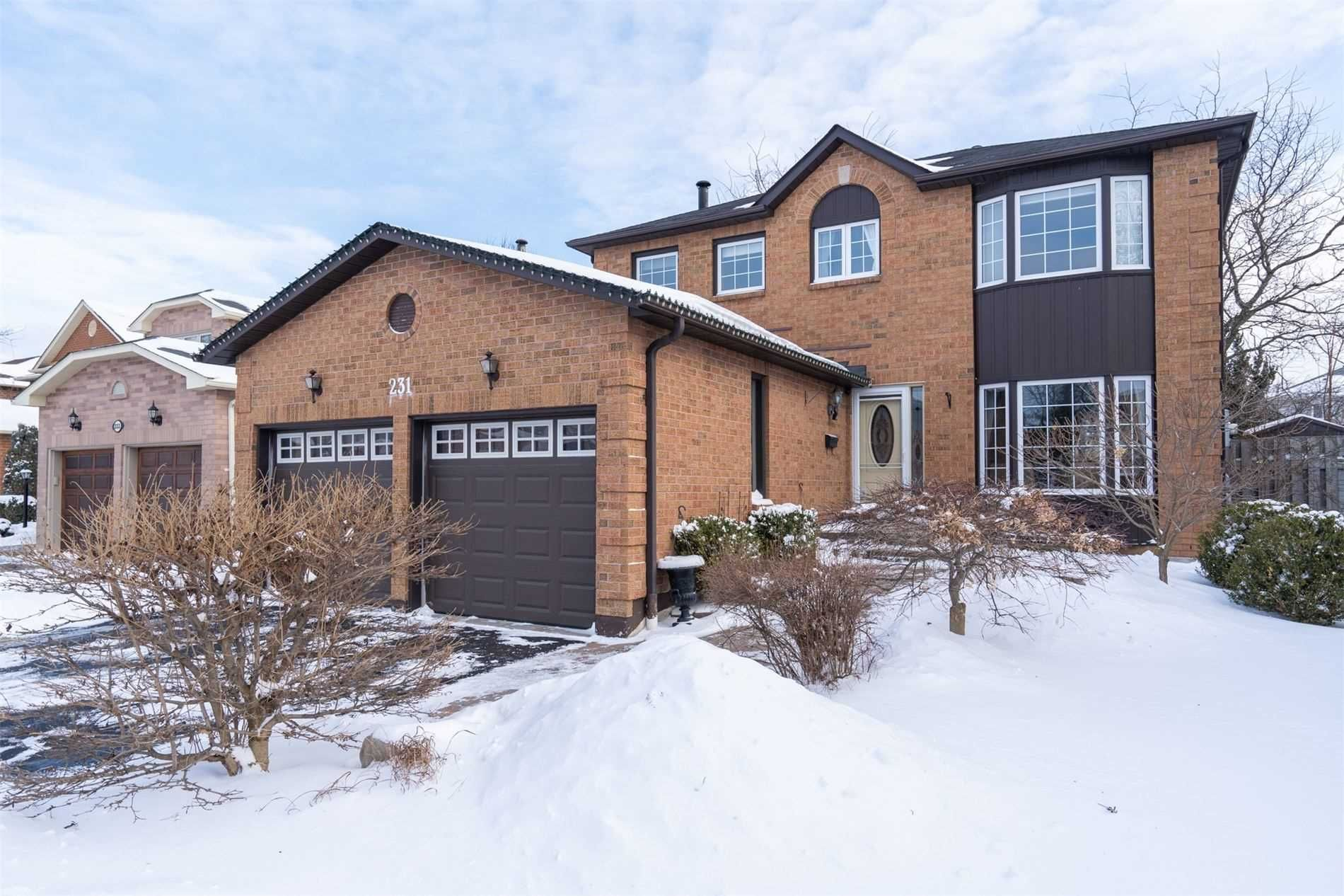 Main Photo: 231 Stonemanor Avenue in Whitby: Pringle Creek House (2-Storey) for sale : MLS®# E5118657
