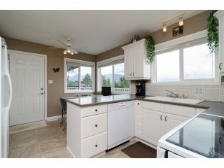 """Photo 6: 984 RANCH PARK Way in Coquitlam: Ranch Park House for sale in """"RANCH PARK"""" : MLS®# V1067792"""