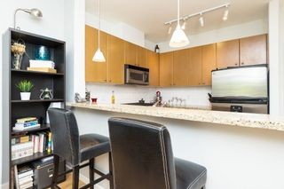 """Photo 11: 406 14 E ROYAL Avenue in New Westminster: Fraserview NW Condo for sale in """"Victoria Hill"""" : MLS®# R2092920"""