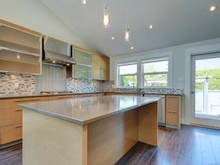 Photo 10: 3182 Wessex Close in : OB Henderson House for sale (Oak Bay)  : MLS®# 883456