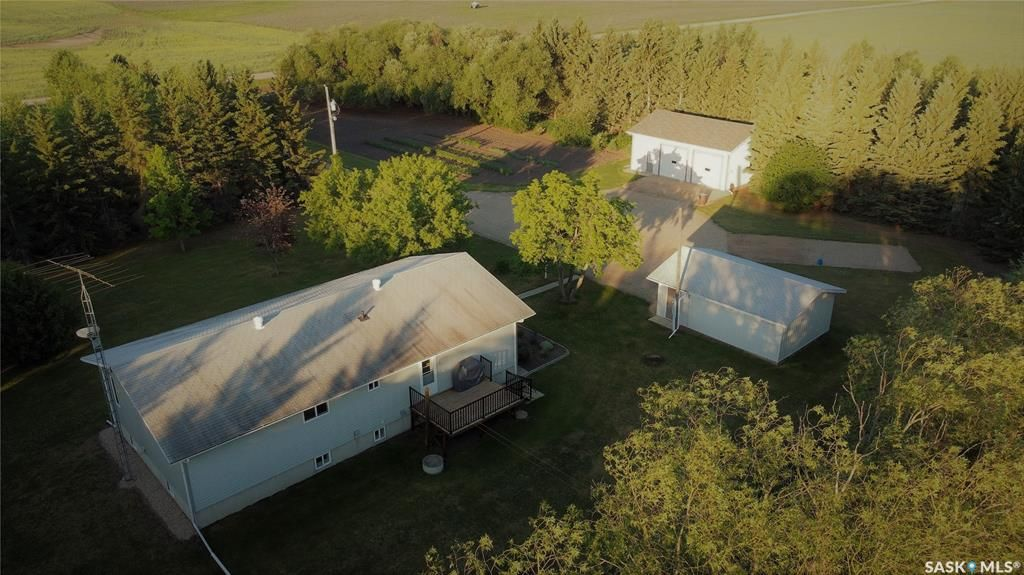 Main Photo: BAR RIDGE FARMS 10 ACRES in Connaught: Residential for sale (Connaught Rm No. 457)  : MLS®# SK862642