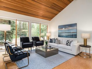 Photo 5: 2002 PUMP HILL Way SW in Calgary: Pump Hill Detached for sale : MLS®# C4204077