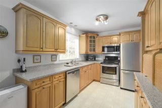 """Photo 4: 101 235 KEITH Road in West Vancouver: Cedardale Townhouse for sale in """"SPURWAY GARDENS"""" : MLS®# R2393572"""