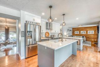 Photo 5: 3359 OAKWOOD Drive SW in Calgary: Oakridge Detached for sale : MLS®# A1145884