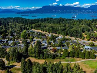 """Photo 34: 4875 COLLEGE HIGHROAD in Vancouver: University VW House for sale in """"UNIVERSITY ENDOWMENT LANDS"""" (Vancouver West)  : MLS®# R2611401"""